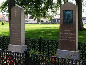 Foto af J.P. Jacobsens gravsted ved Thisted kirke